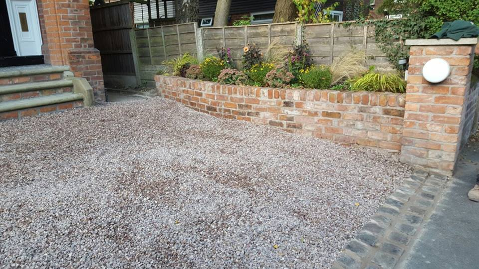 Didsbury gravel and raised bed