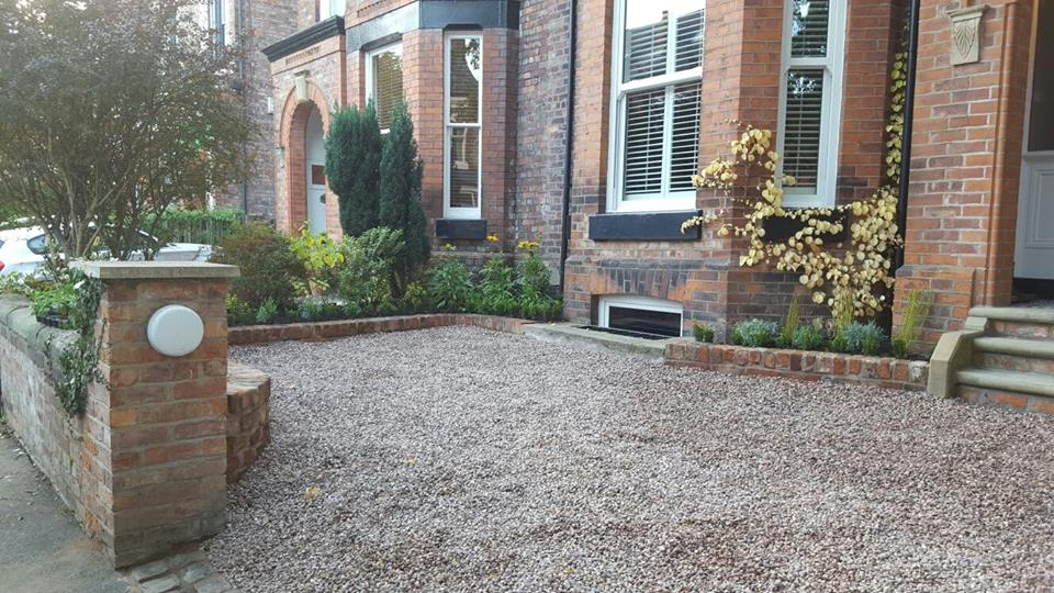 Didsbury gravel and raised bed (2)